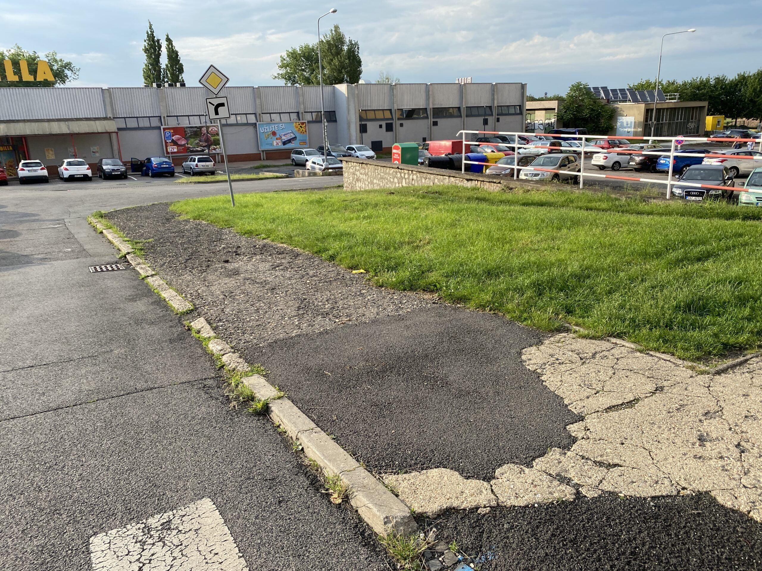 Parkování Kladno Štechova ODS původní stav